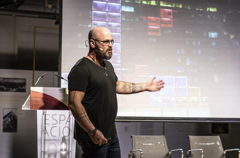 """Aric Dromi: """"Estamos dejando todas nuestras funciones cognitivas en manos de la tecnología"""""""